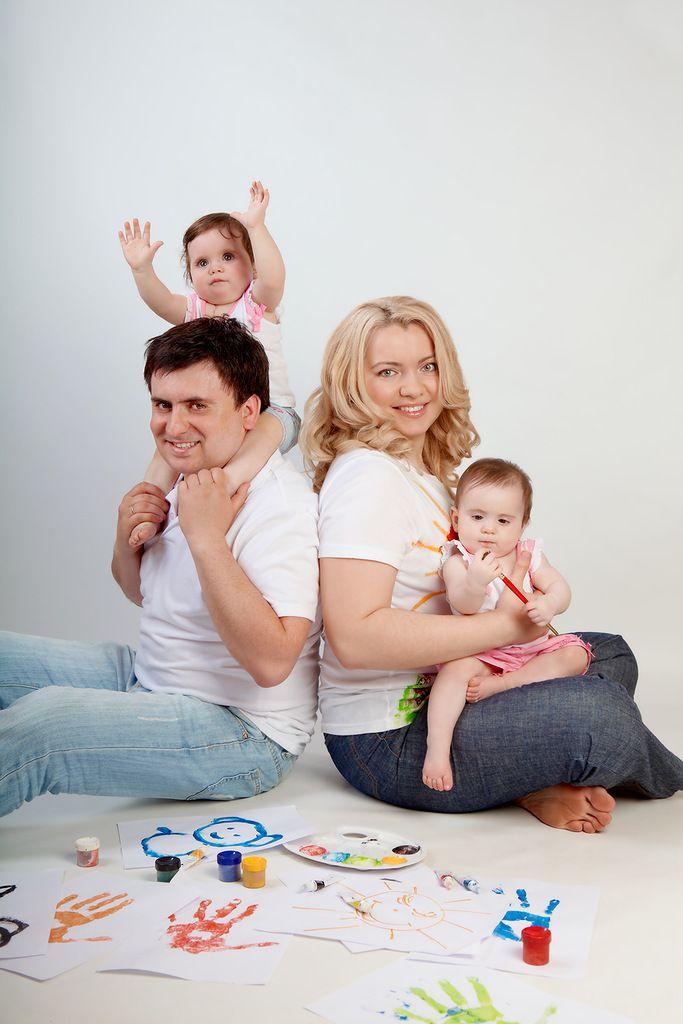 идеи для фотосессии семьи с двумя детьми удастся