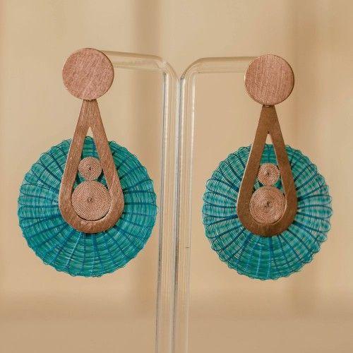 Aros de Crin y Cobre Tienda:Valeria Martinez Modelo: Gota Precio: $43.500  Ver aquí: http://bit.ly/1TJ096P