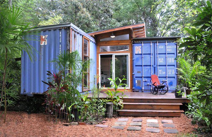 Já ouviu falar em casas e apartamentos feitos a partir de containers? Isso mesmo, aquele trambolho feito para transporte de carga já é figurinha marcada no mundo da arquitetura sustentável. Se voc
