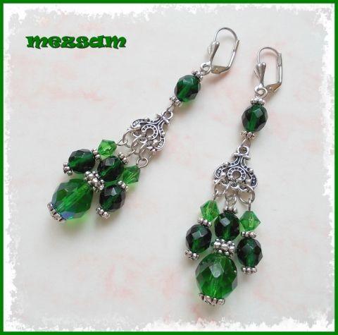 Smaragdzöld kövek - hosszú fülbevaló