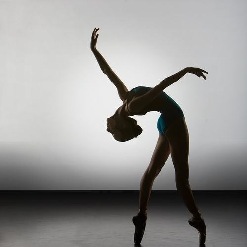 don't you wish??: Dance Photography, Dance Poses, Ballet Dancers, Points Shoes, Ballerinas, Black Swan, Silhouette, Beautiful, Ballet Photography