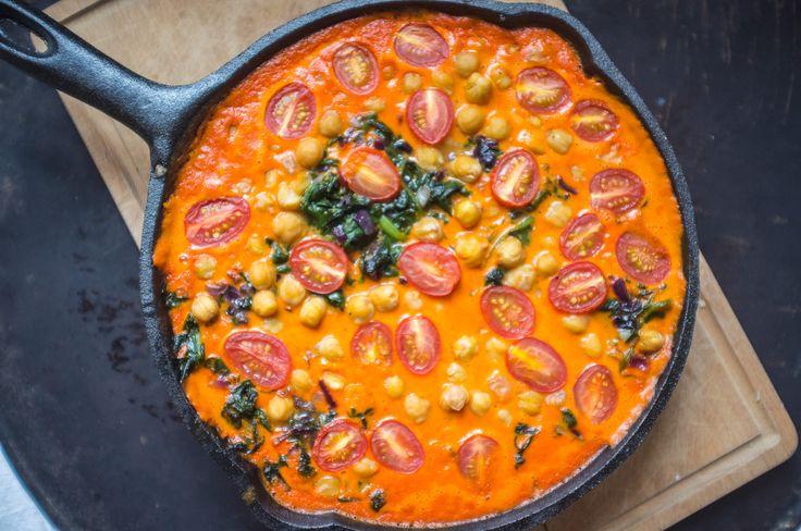 Geröstete Paprika, Kichererbsen und Spinat Curry. Mal was Deftiges und trotzdem leicht.