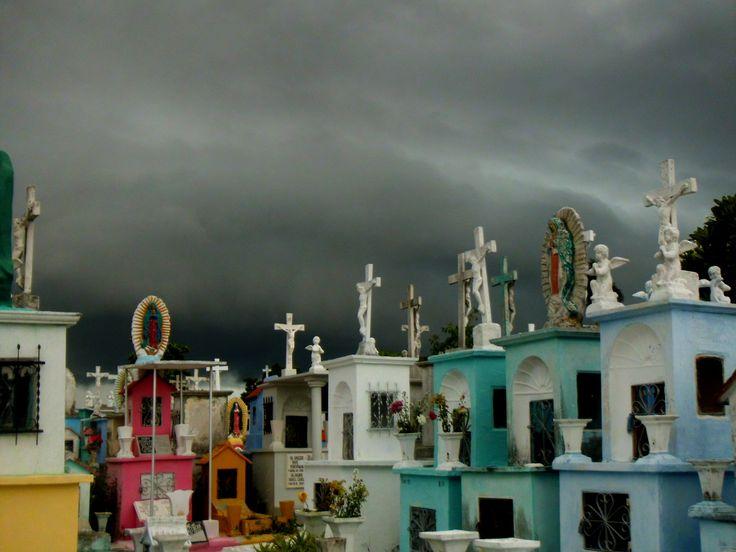 Mérida Yucatán México Cementerio General Día Nublado.
