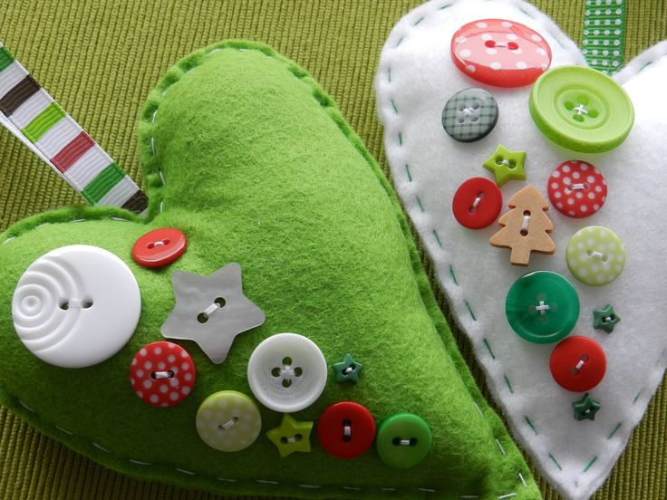 felt ornaments with buttons