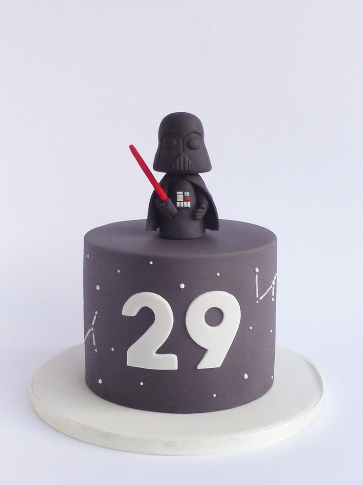 Peaceofcake ♥ Sweet Design: Darth Vader Cake • Bolo Darth Vader