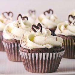 dark chocolate flourless cupcakes with creamy ganache & vanilla butter ...