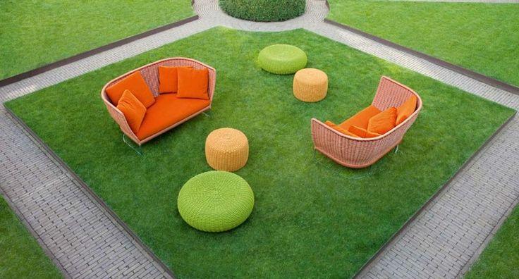 muebles de colore vibrantes en el jardn moderno drauen wohnen pinterest sofaer og ideer