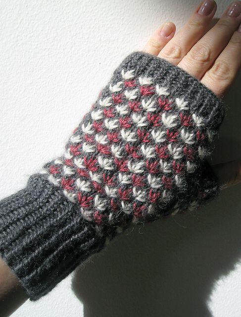 a pretty adaptation of the Fiesta mittens! Ravelry: Purlfisher's Fingerless Fiesta