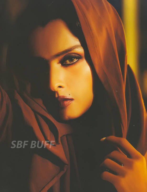 Rekha. Bollywood. Actresses.