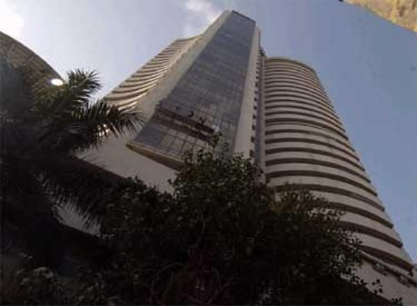 Markets halt 2-week gains on global growth scare - The Economic Times
