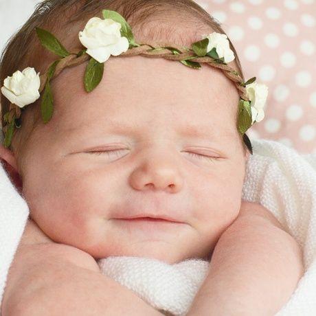 Diadema trenzada con flores para bebé. Cinta para el pelo con elástico adaptable a varios