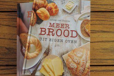 Review: Meer brood uit eigen oven  Door Levine van Doorne