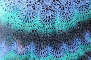 A close picture of my Freya shawl