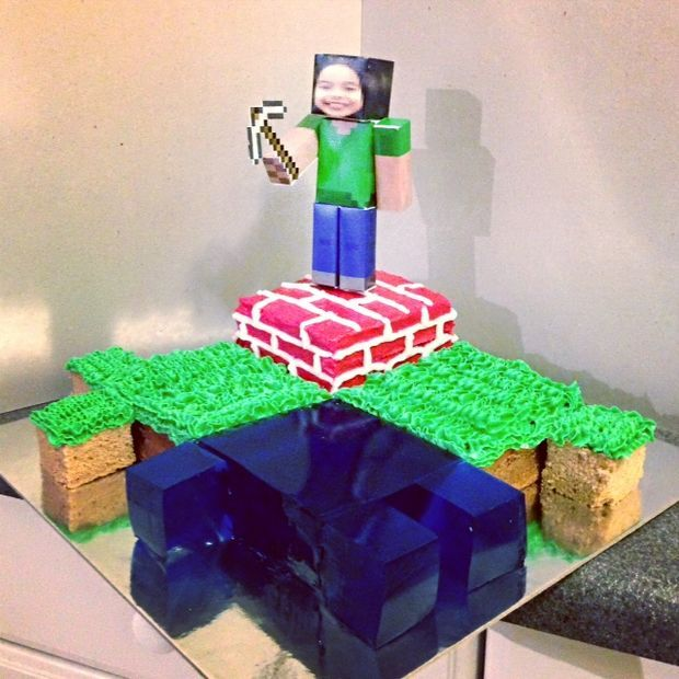 Picture of Cool Minecraft cake that is easy to do, and will please the most diehard Minecraft players.