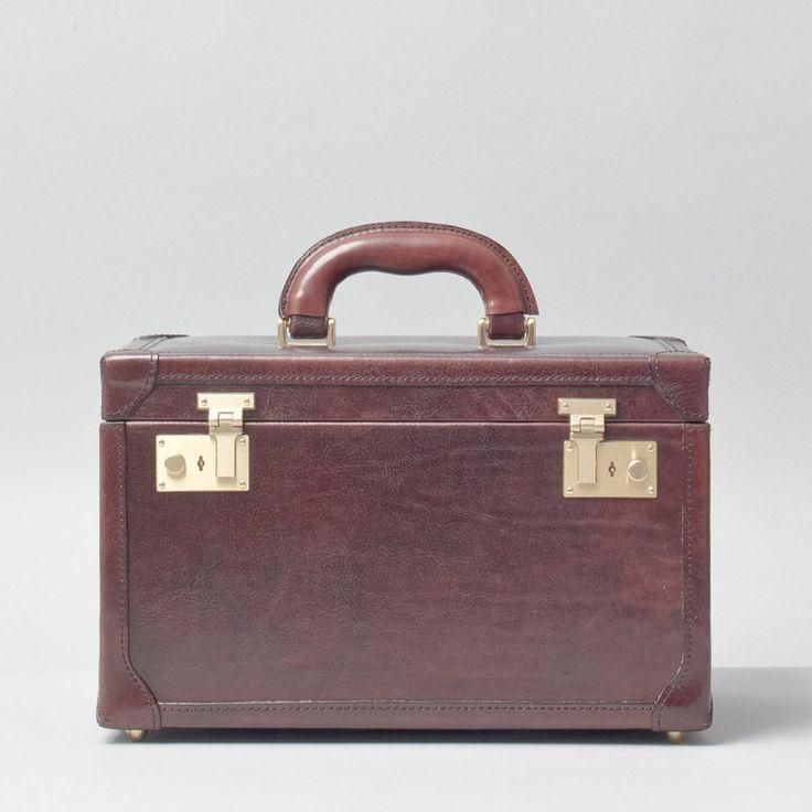 The Bellino Luxury Leather Vanity Case £345.00