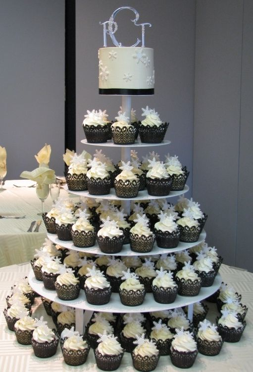 Round Cupcake Wedding Tree