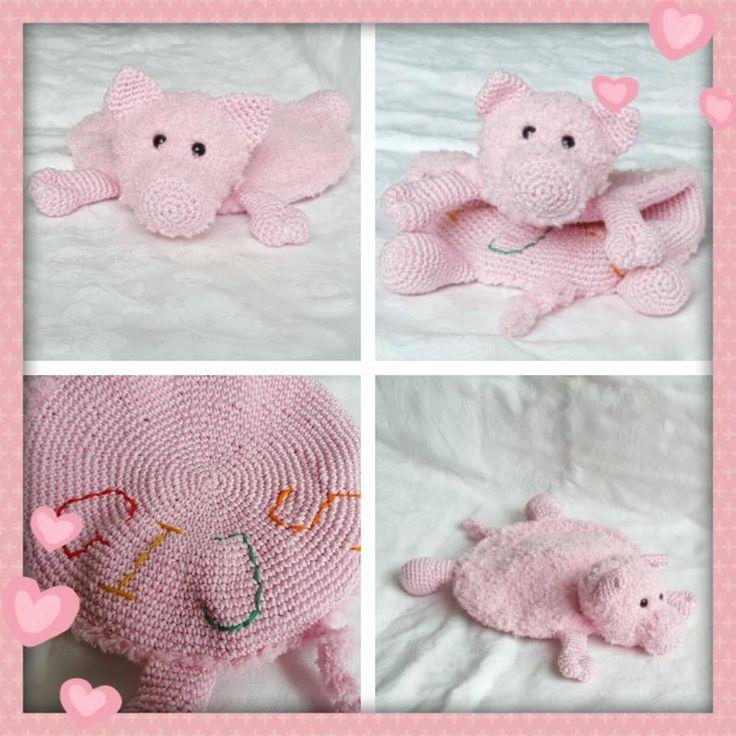 Tutteldoekje varken Floris gehaakt door Nathalie van Oosterum #haken #haakpatroon #gehaakt #amigurumi #knuffel #gehaakt #crochet #häkeln #cutedutch