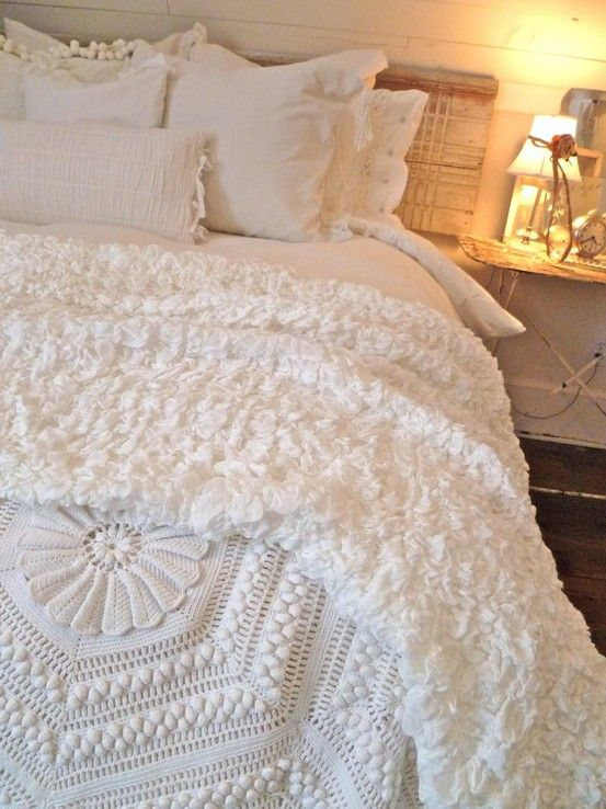 love white bedding....reminds me of my Scottish Granny's bedroom