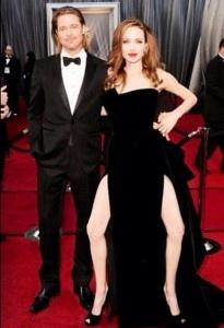 Hehehe: Laughing, Red Carpets, Angelina Jolie, Bradpitt, Angelinajoli, Legs, Brad Pitt, So Funny, Oscars Dresses