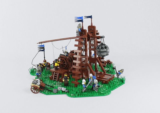 Working LEGO trebuchet lays siege to your cities