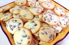 This recipe of rum and raisins cookies is very close to my heart due to the fact that it a very traditional and popular one in Romania. As I was growing up, this recipe was made in every kitchen as a quick sweet snack. It was also available for purchase in every pastry shop […]
