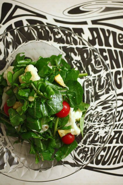 ルッコラとカリフラワーのトスサラダ