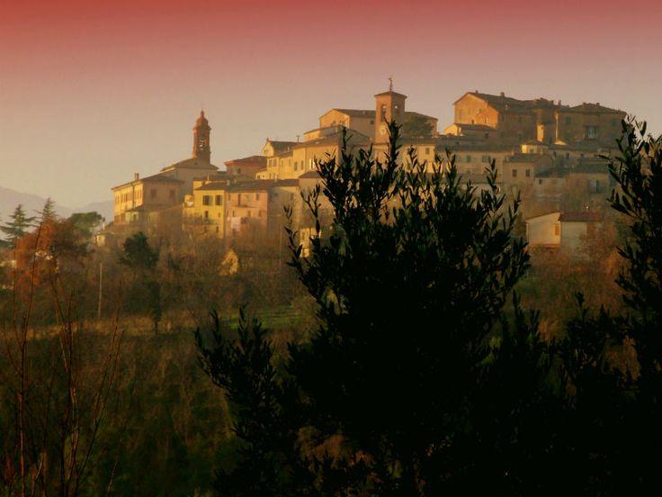 Splendido palazzetto settecentesco terra/cielo in perfetto stato di conservazione strutturale, situato nel cuore di Castelplanio, in vendita, su www.findhouseitaly.com