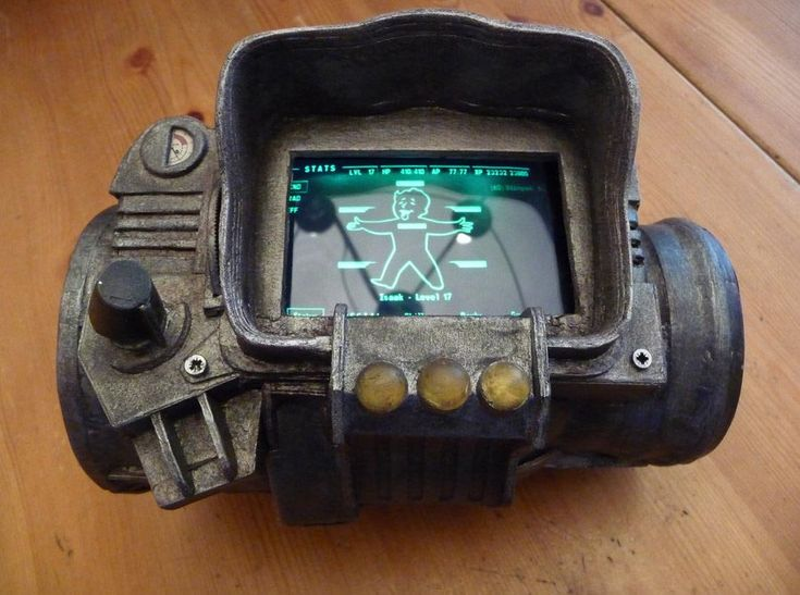 Fallout 3 PipBoy 3000 Mod Powered by iPhone I want this badly, lol