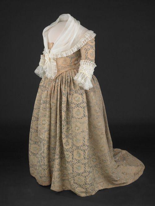 Martha Washington 1780's Dress, Museum of American History