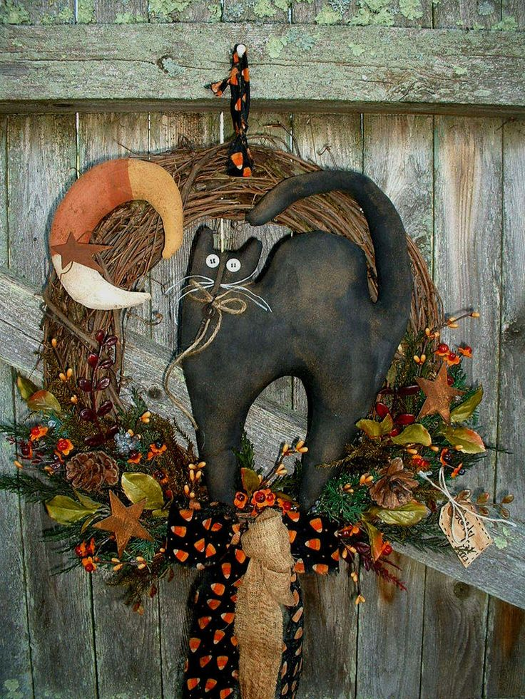 PRIMITIVE FALL~HALLOWEEN~WREATH~SCAREDY CAT~CANDYCORN MOON~WALL/DOOR HANGER #NaivePrimitive #seller