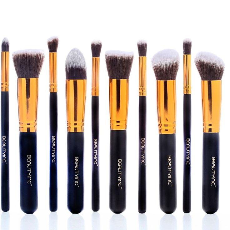 To Beauty Inc. Professional Kabuki Brush Set 10pcs Golden Black περιλαμβάνει 10 κομψά πινέλα που θα δώσουν επαγγελματική διάσταση στο καθημερινό σου μακιγιάζ! Τρίχα: - Χειροποίητα φτιαγμένα, έχουν duo – fiber συνθετικές ίνες υψηλής ποιότητας, οι οποίες είναι αντιβακτηριακές και κατάλληλες για ευαίσθ