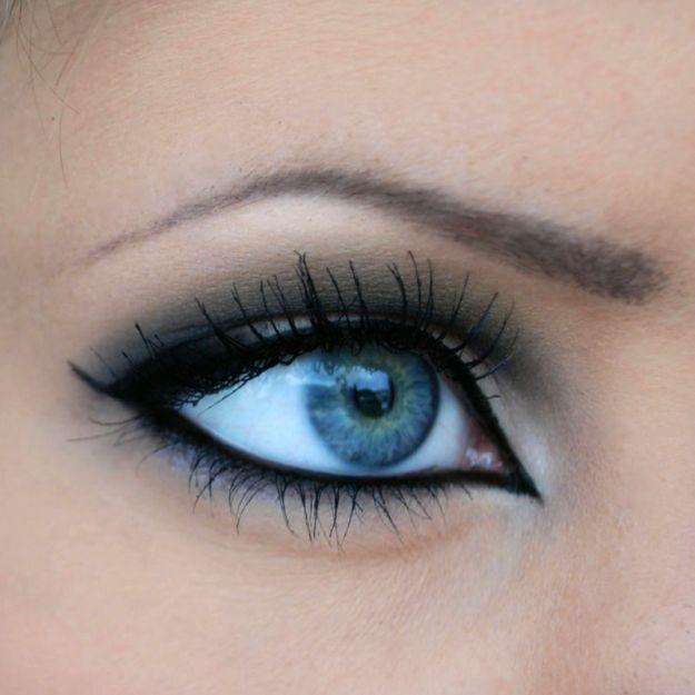 Интригующий макияж для серо-голубых глаз ::: onelady.ru ::: #makeup #eyes #eyemakeup