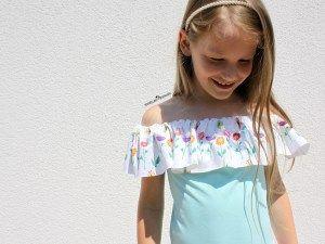 """Nähanleitungen Schulterfreies Kleid – Anfänger Näh Anleitung Anzeige Alles für selbermacher Mein kleines großes Mädchen liegt mir seit Tagen in den Ohren: """"Ich möchte so gern ein Schulterfreies Kleid"""" Die neuen Stoffe, die ich von Alles für selbermacher designnähen darf, schrien mich förmlich an: """"Los näh jetzt!"""" Ok, ok, … ich hab mich gefügt und für dich und dein Mädel direkt eine […]Pullover nähen lernen – eine super einfache Anfänger Anleitung Juten Tach meine lieben Nähuschis, heute…"""