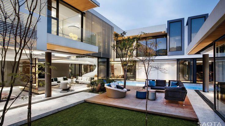 Location: Houghton, Johannesburg, South Africa Year : 2012 Architects: SAOTA – Stefan Antoni Olmesdahl Truen Architects Project Team: Mark Rielly Interior Design:ARRCC Photographs: Adam Let…