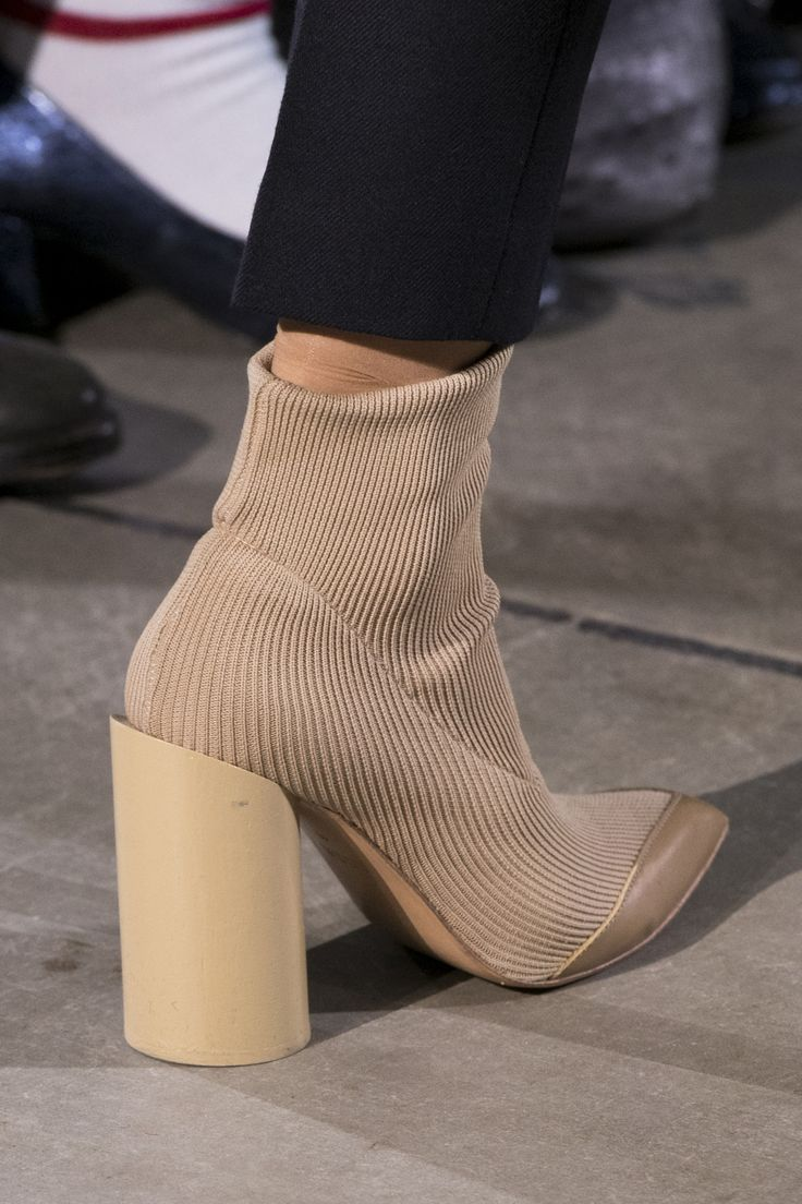 Toga Fall 2017 Fashion Show Details, London Fashion Week, LFW, Runway, TheImpression.com - Fashion news, runway, street style, models