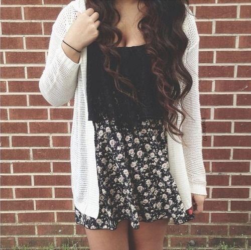 Black crop top,cream cardigan and floral skirt ❁