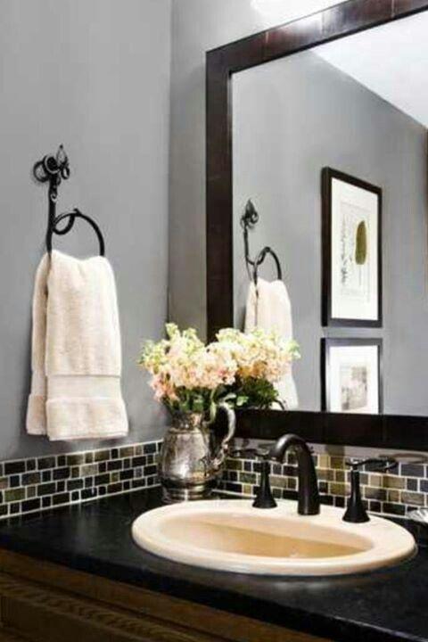 Great tile backsplash...simple bathroom update