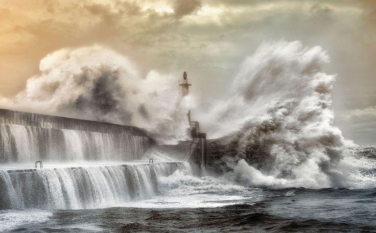 San Esteban de Pravia. Asturias? O es Lusrca? Spain.These Majestic Lighthouses have Proudly Stood the Test of Time - Viralomia