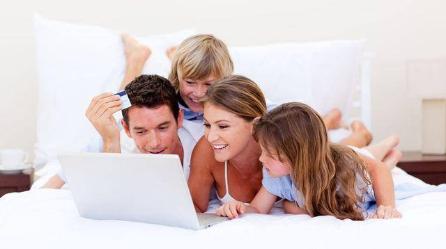 Soldes enfant: quels sites surveiller pour faire de bonnes affaires?