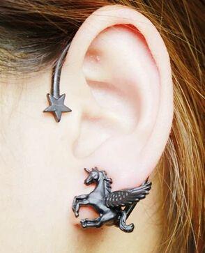 2015 Nuevo 1 unids de Punk Rock de Moda Estereoscópica Running Horse Unicornio Estrella Señora Stud Pendiente de la oreja izquierda de Oro