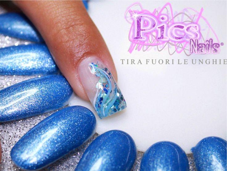 Nail Art Estiva : ecco una nuova creazione realizzata dalla Master Pics Nails Giovanna.  Una Nail Art Estiva ottenuta con la tecnica Sot...