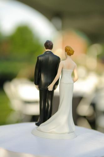 Weddingstar The Love Pinch Bridal Figurine Caucasian Kitchen Dining