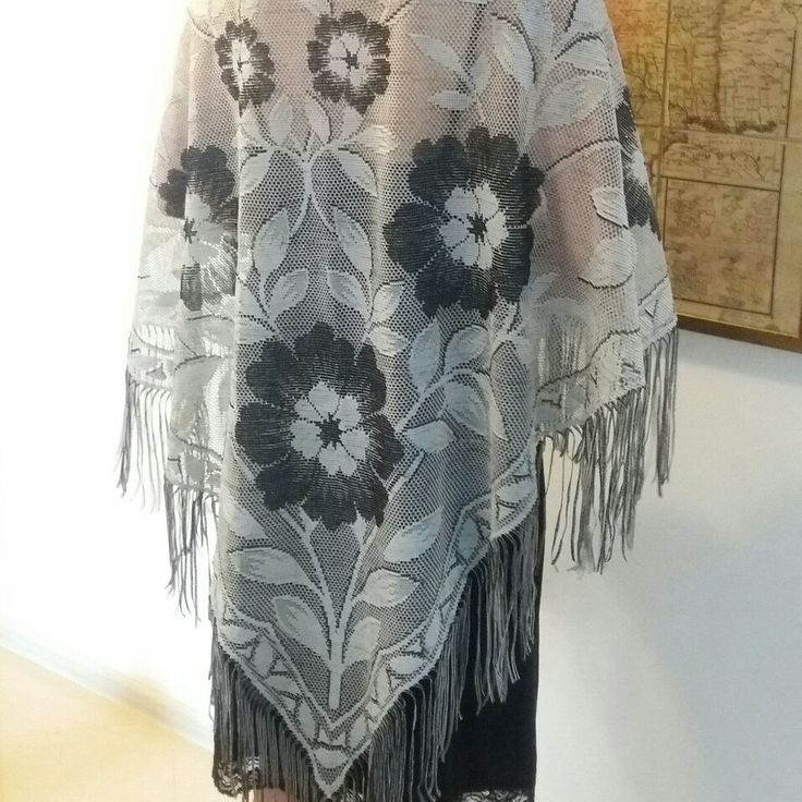 NEW! • Big Polish silver, floral lace shawl •