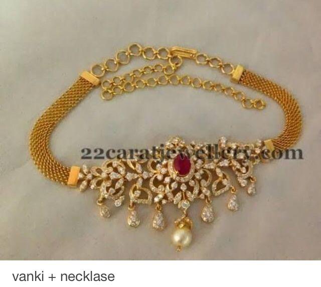 Vanki + necklace
