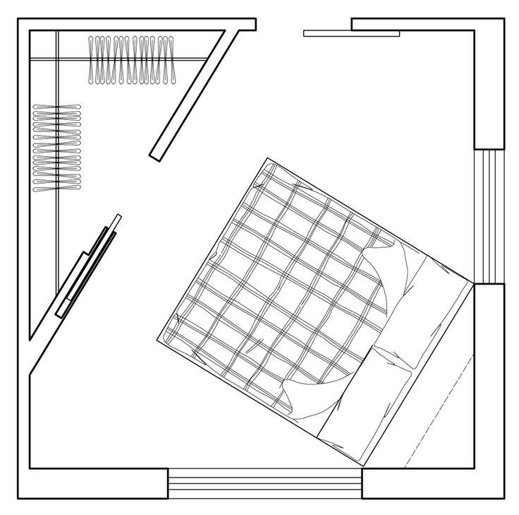 Si crea inoltre uno spazio dove prevedere in alto mensole che fungano da libreria e sotto un contenitore con piano da appoggio a ribalta, da sfruttare all'interno e sopra come appoggio dietro la testata in sostituzione dei comodini. La sostituzione della porta a battente con una scorrevole esterno-muro renderebbe gli spazi più fluidi e fruibili