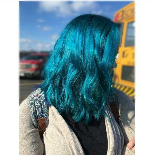 Alden Tanski   Manic Panic Voodoo Blue hair