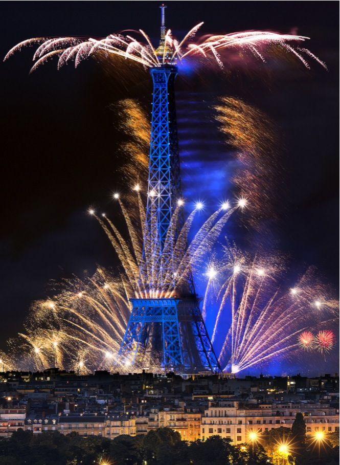 14 Juillet 2014 Feux d'artifice Paris Tour Eiffel