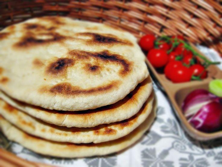Reteta culinara Turte la tigaie din categoria Piine. Cum sa faci Turte la tigaie