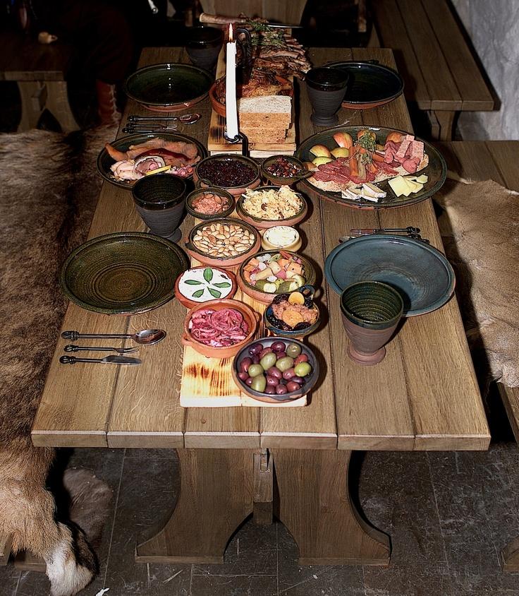 Medeltida middag (Sjätte Tunnan)  Medieval dinner.