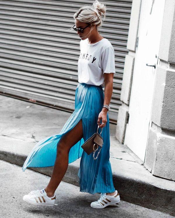 saia longa com camiseta é ótimo para fins de semana